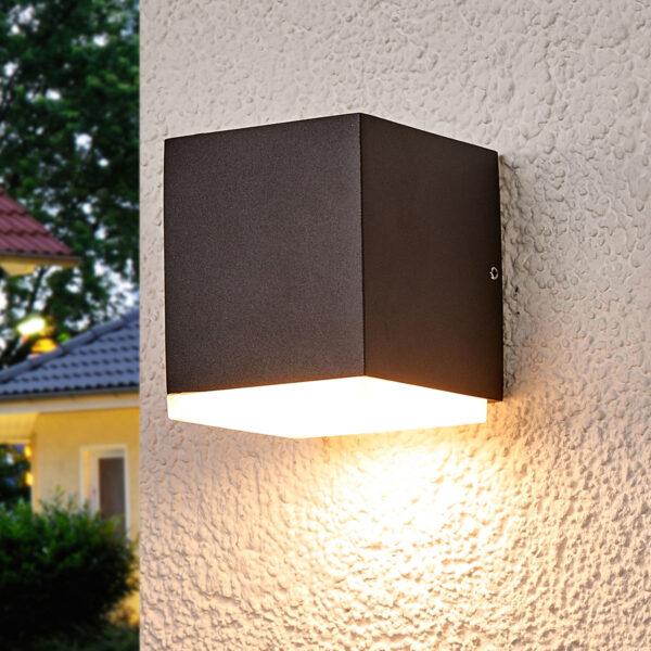 LED-væglampe Sarah med plastdiffusor, udendørs