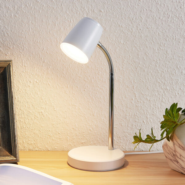 Lindby Jegor LED-bordlampe i hvid